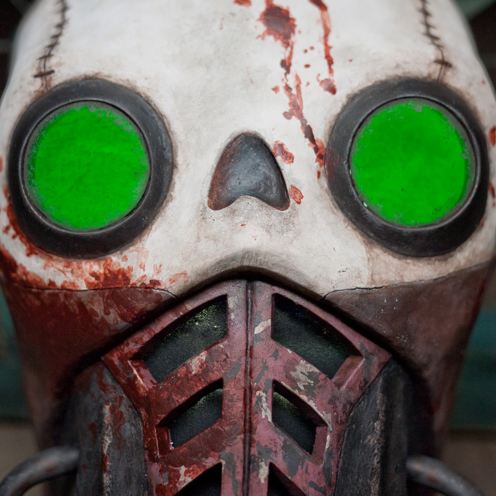 Borderlands 2 Bandit Steve Mask Replica Eye Close-Up View