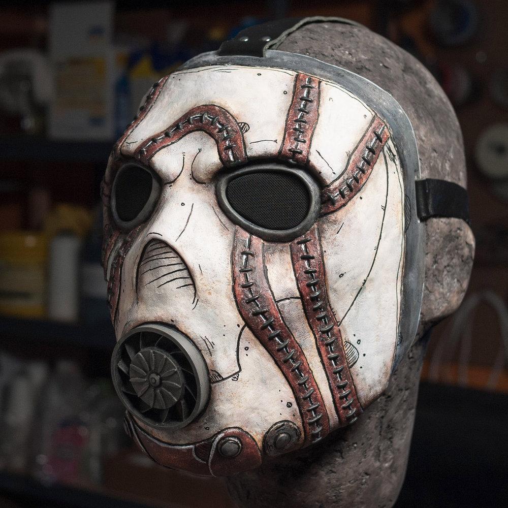 borderlands-psycho-bandit-mask-painted-cast-4.jpg