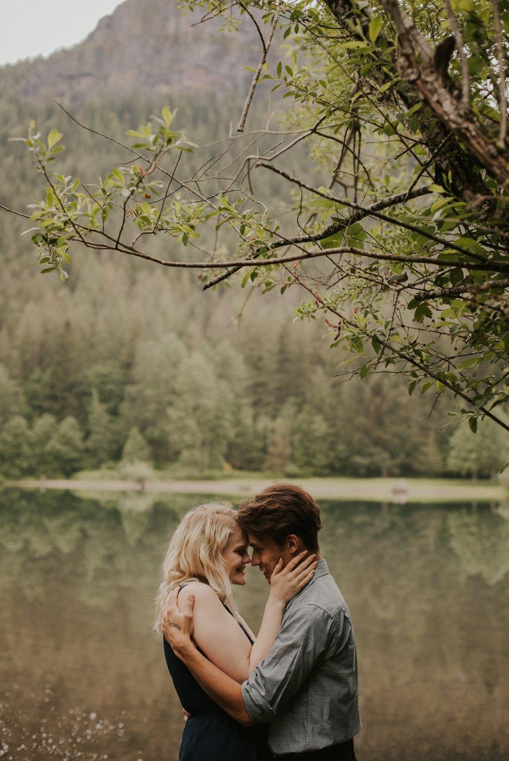 Sarah_Anne_Photo_Rattlesnake_Lake_Engagement 2.jpg