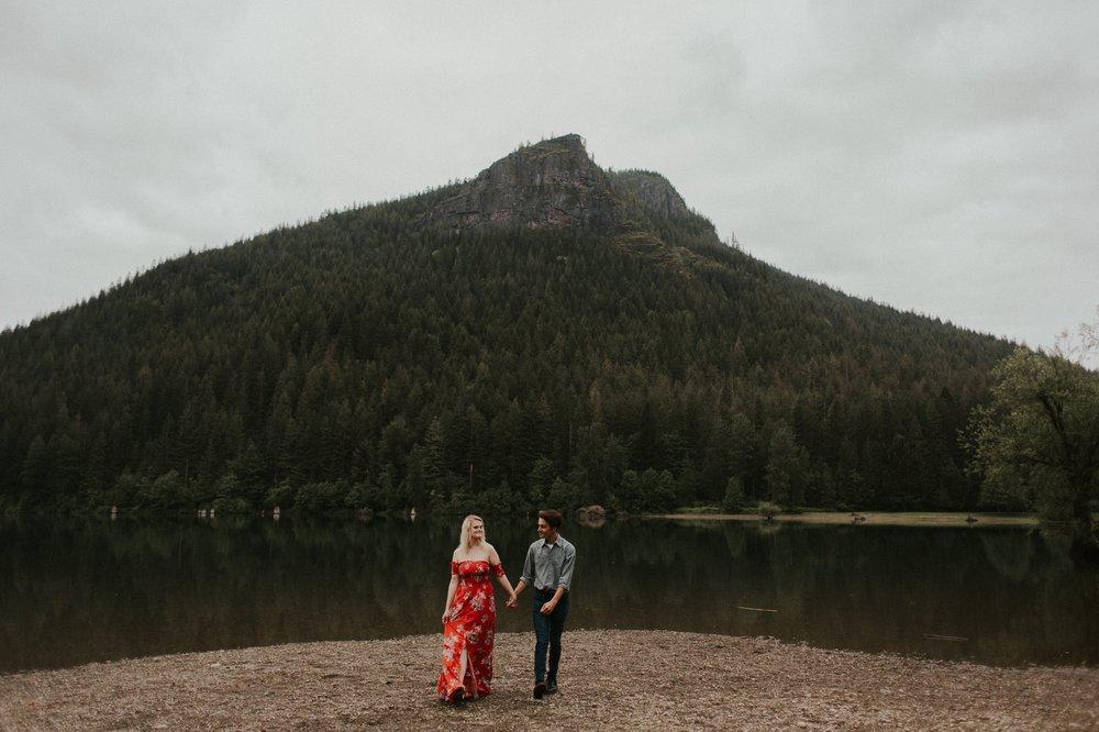 Sarah_Anne_Photo_Rattlesnake_Lake_Engagement 17.jpg