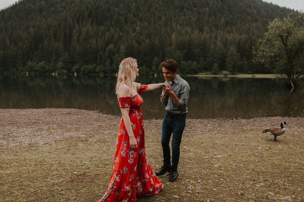 Sarah_Anne_Photo_Rattlesnake_Lake_Engagement 18.jpg