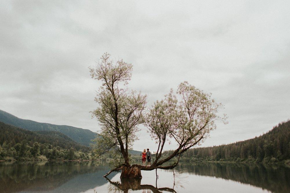 Sarah_Anne_Photo_Rattlesnake_Lake_Engagement 22.jpg
