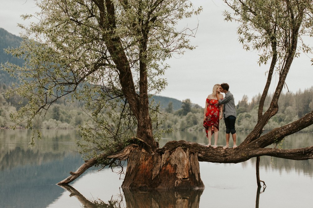 Sarah_Anne_Photo_Rattlesnake_Lake_Engagement 24.jpg