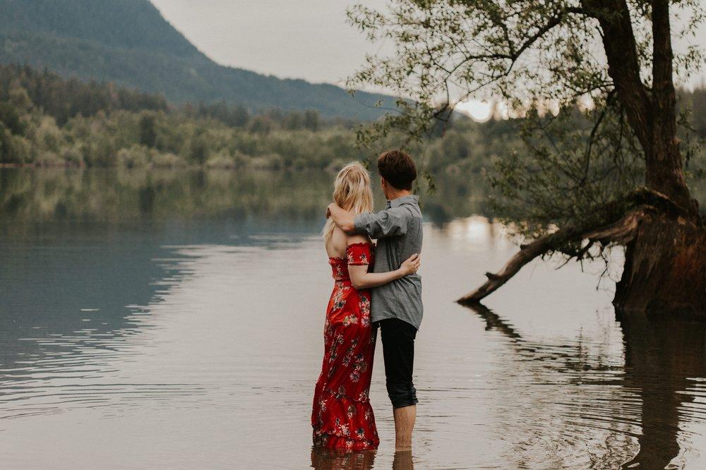 Sarah_Anne_Photo_Rattlesnake_Lake_Engagement 29.jpg