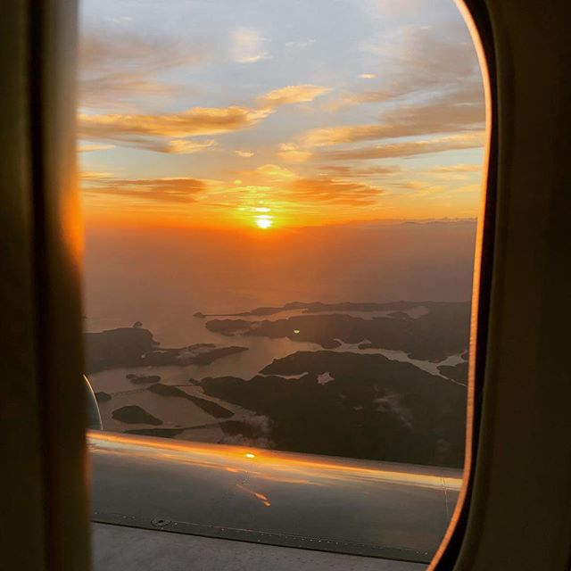 Morning Sydney. From the comfort of the 747 after a trans Pacific flight. #qantas #boeing747 #sydneysunrise