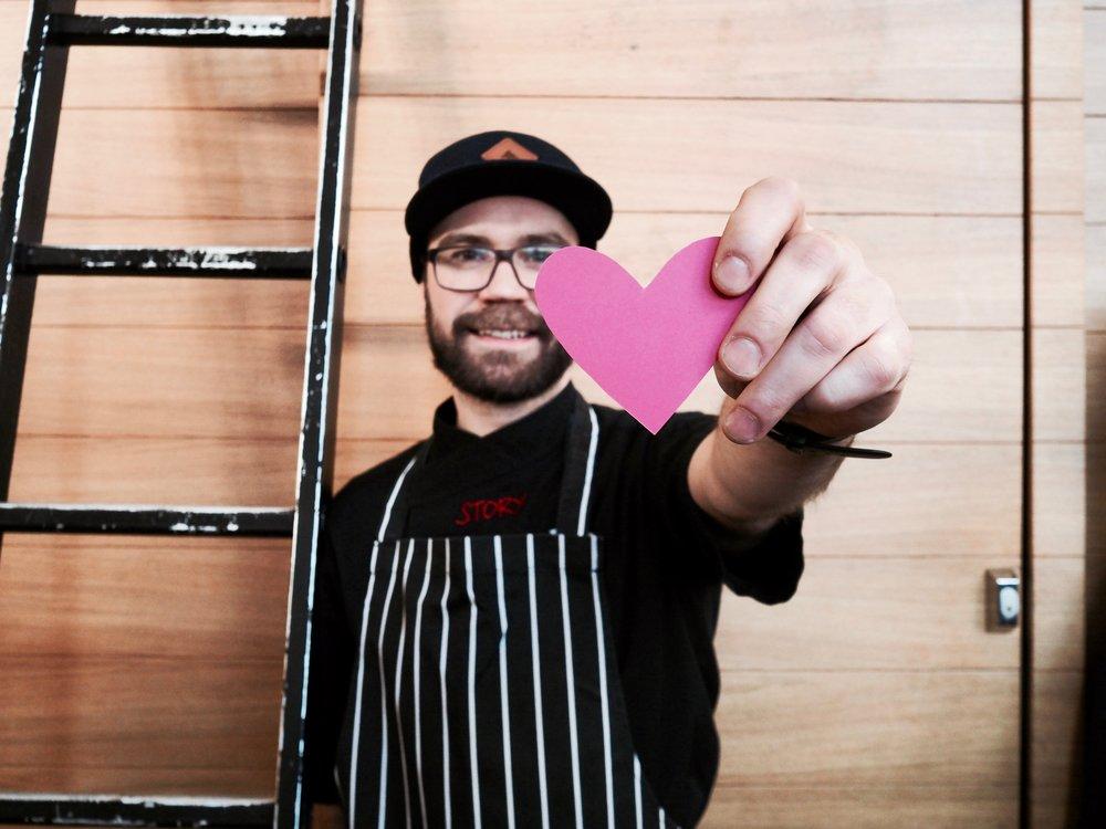 Korttelin ja Vanhan Kauppahallin Storyssa kannattaa pitää silmät auki ystävänpäivänä!Ravintoloihin on piilotettu sydämiä jota vastaan saa kassalta ylllätyksen!