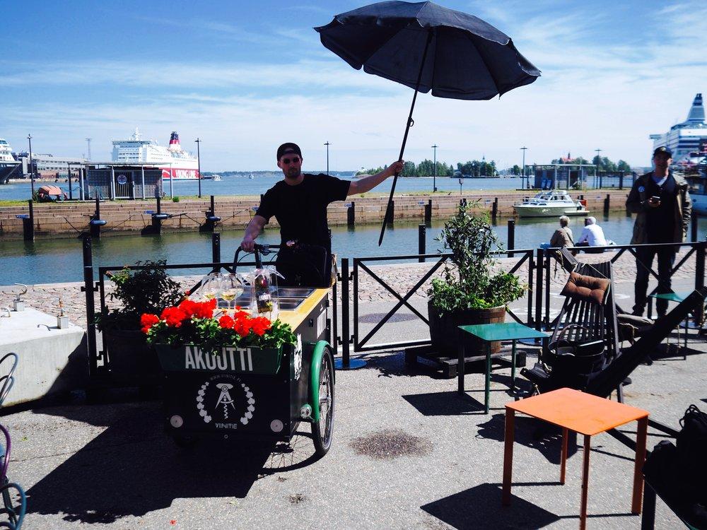Meidän Storyn Hip hop & Burgers kesäklubin virallinen suojelija Tebian
