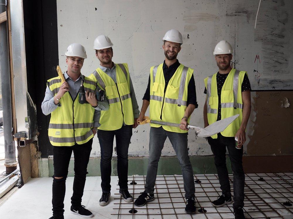 Storyn perustajat, Matti, Markus, Andu ja Teemu rakennustyömaalla