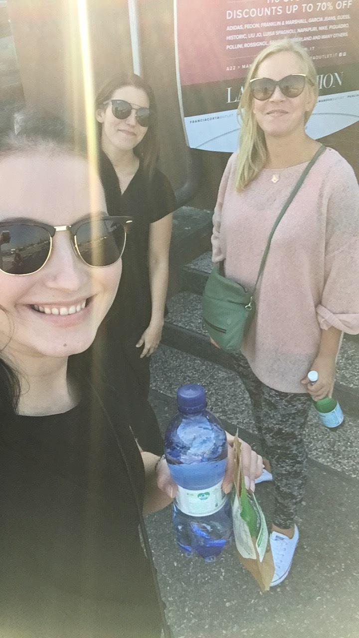 Innokkaat matkalaiset, Kaisa, Piia ja Jenni