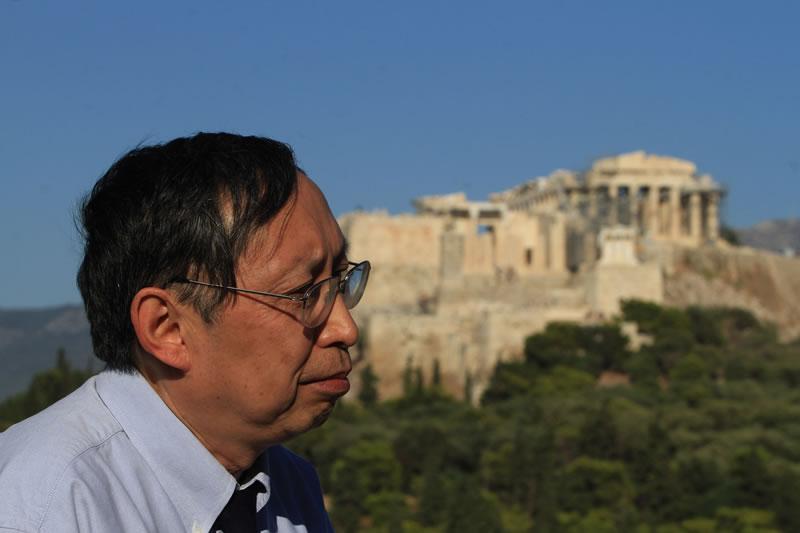 Ο Καθηγητής Chen Lai (China) ομιλών στηΠνύκαγιατο23οΠαγκοσμίοΣυνεδρίοΦιλοσοφίας (Αύγουστος του 2013)