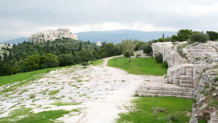 Η θέα της Ακρόπολης από την Πνύκα