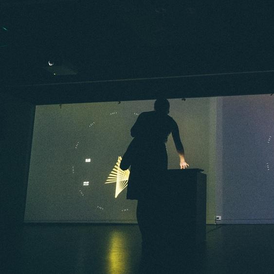 DecParticlePath - Interactive audio-visual installation.