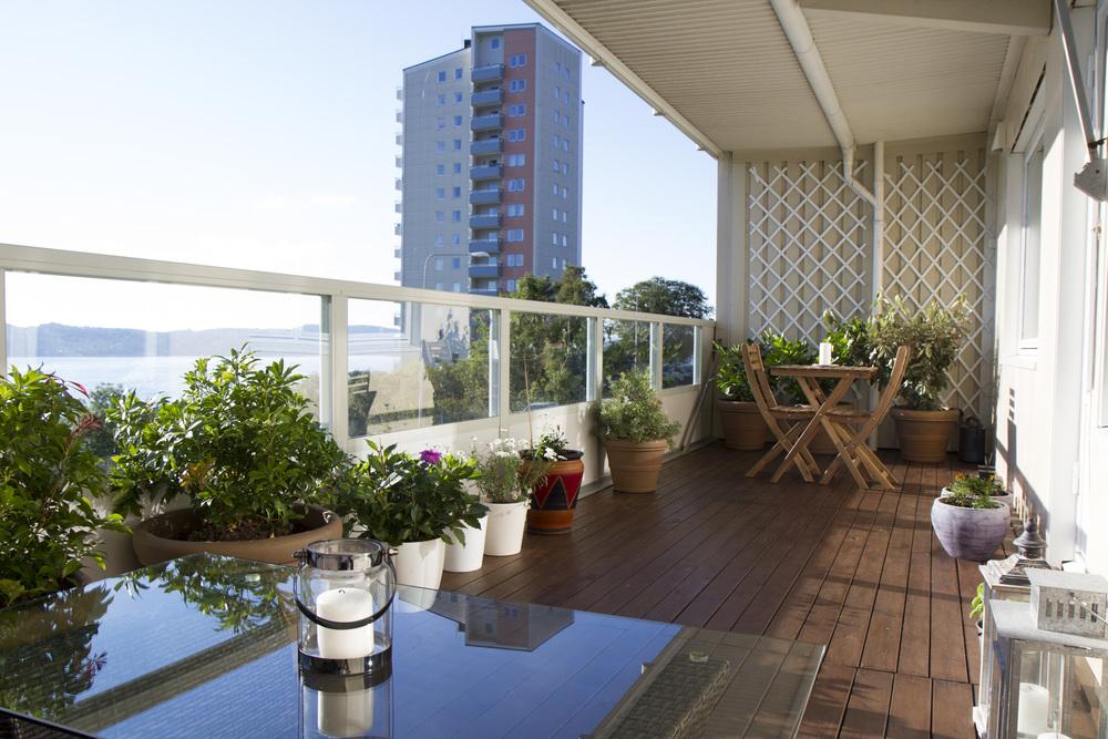 Velkommen til Helleveien 221 - for deg som ønsker en sentral beliggenhet med solrik terrasse og fantastisk utsikt!
