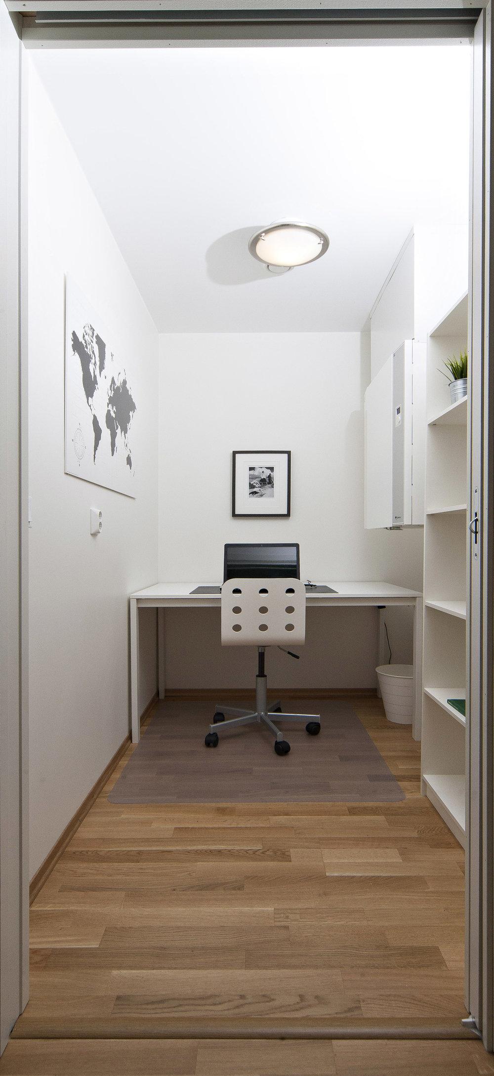 Den innvendige boden benyttes som kontor.