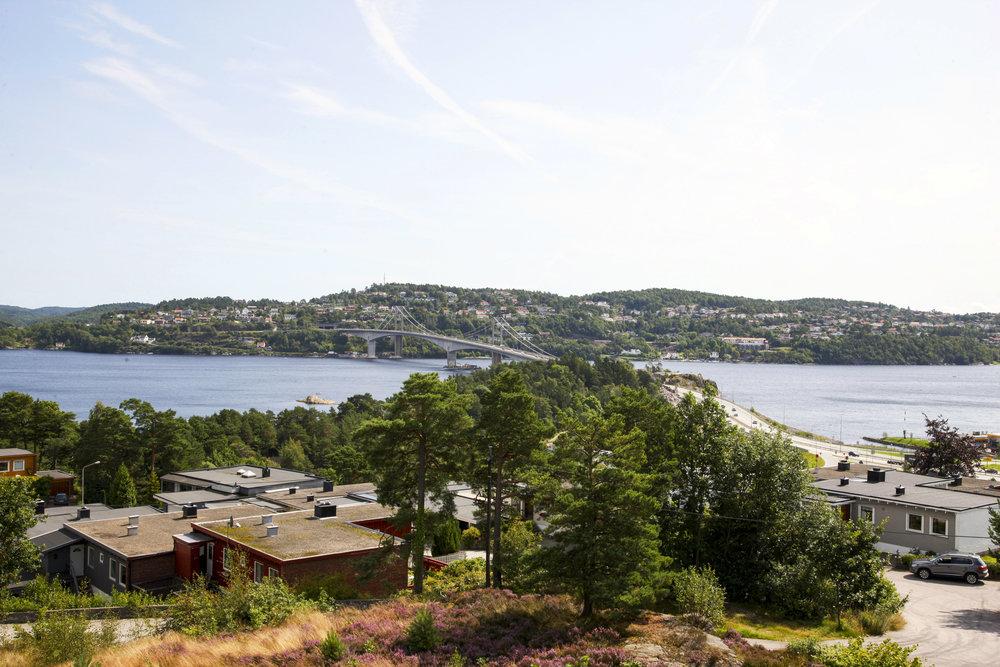 Utsikten fra vinduene mot øst - hvem kunne vel ikke tenke seg å våkne opp til denne utsikten?