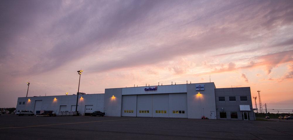 hangar.jpg