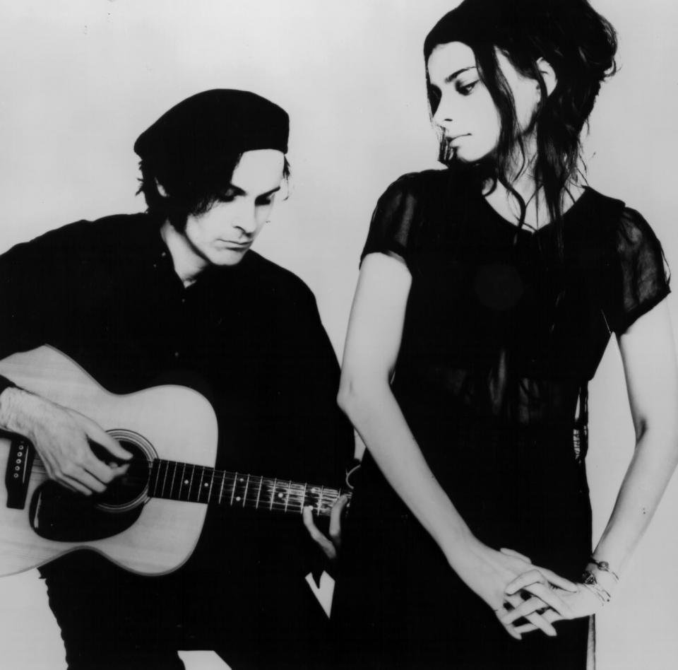 Mazzy Star - Not one of the worlds more interesting live bands