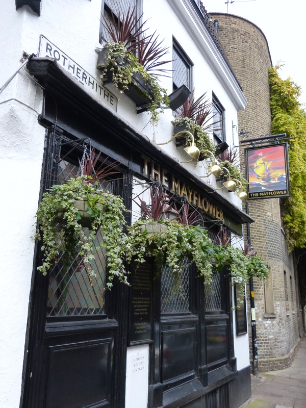 The Mayflower Pub (C 1550) - Significantly older than I suggested
