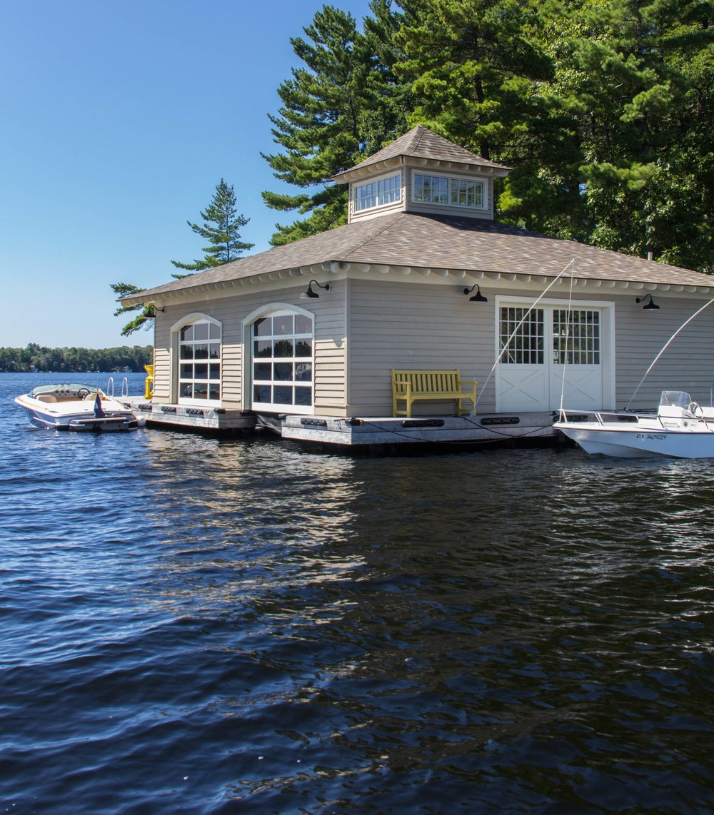 muskoka traditional boathouse - DESIGN