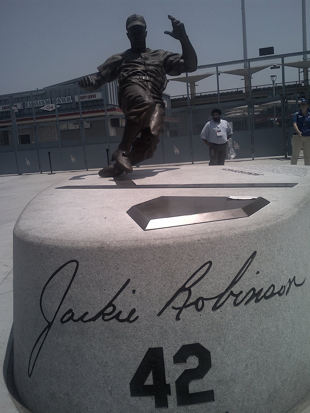 great statue for dodger legend #1