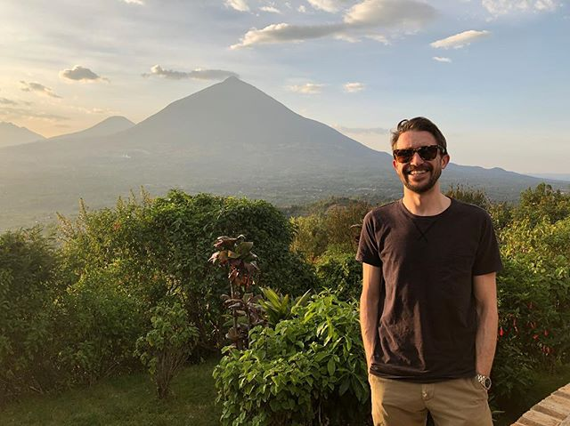 Rwanda looking pretty spectacular today (leaving aside the practical but extremely questionable floppy hat) #rwanda #africa #volcanoessafaris #masonrosegoes #travel #travelgram