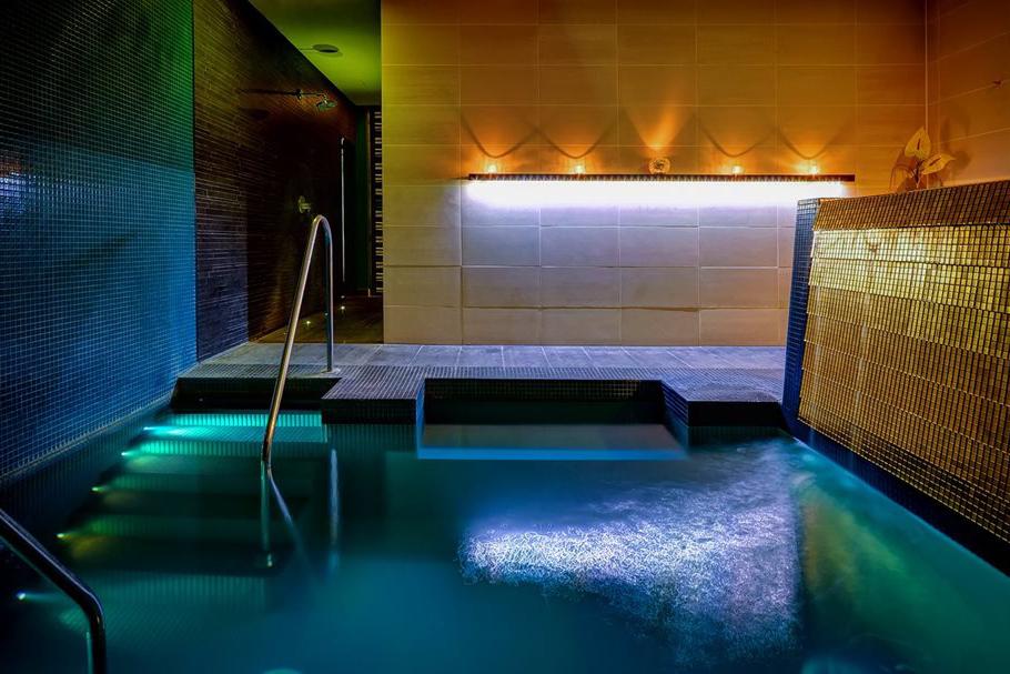 1484906234-Hidden-sanctuary-pool.jpg