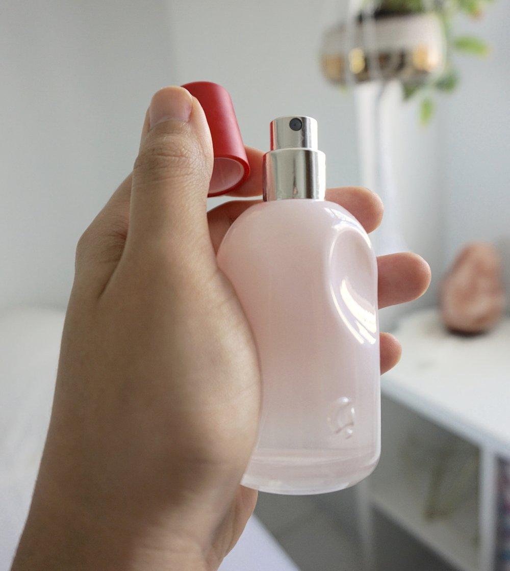 glossier perfume
