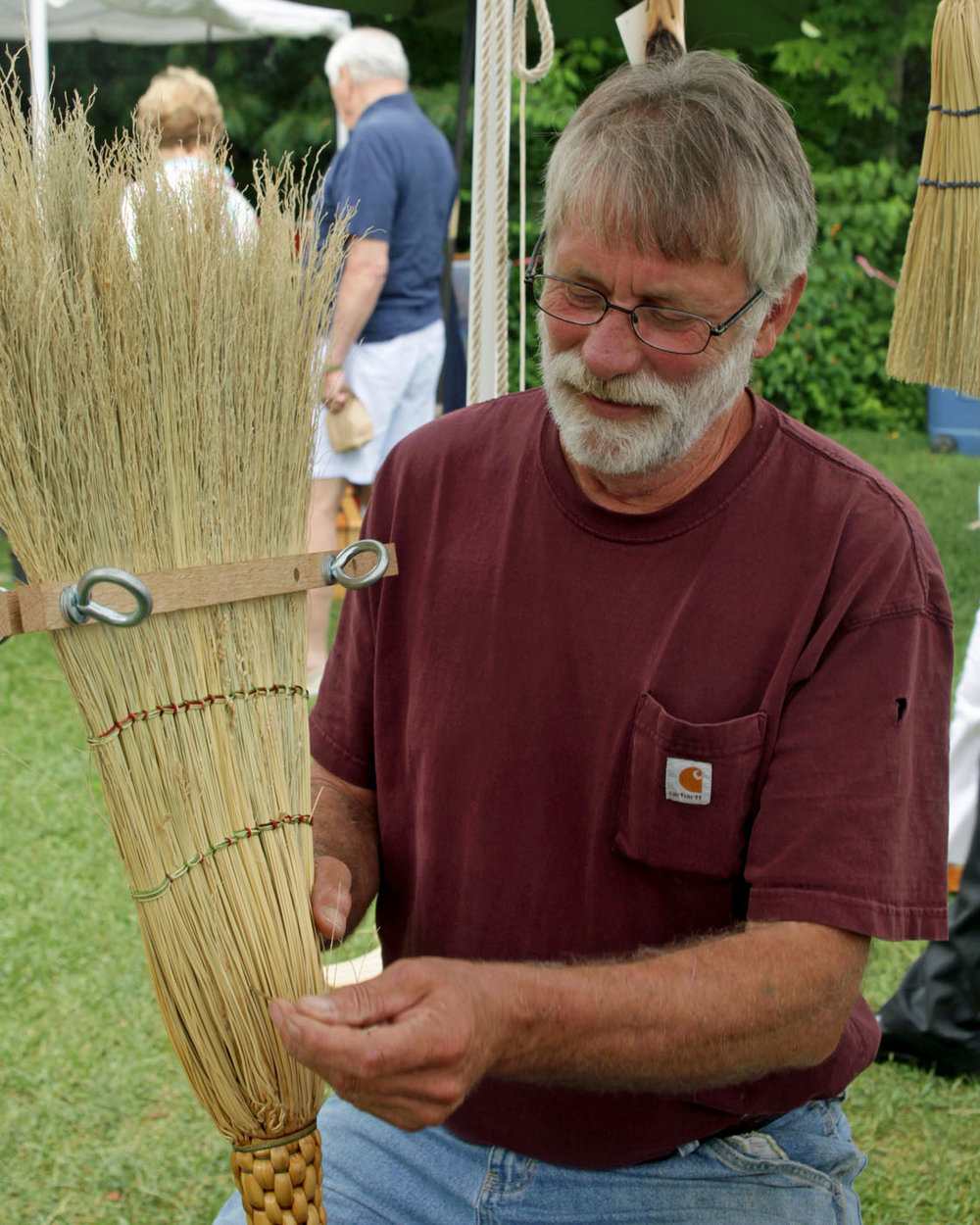 Tom Ruffin_making a broom_6583_SF.jpg