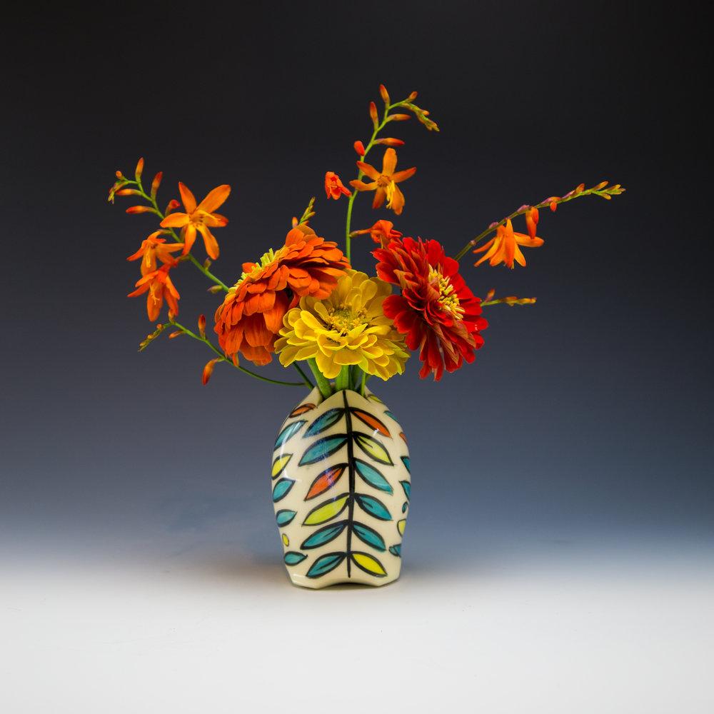 Maria Andrade Troya Pottery, CURVE wine vase