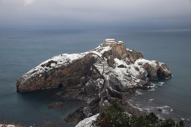 San Juan de Gaztelugatxe by Unai Urresti