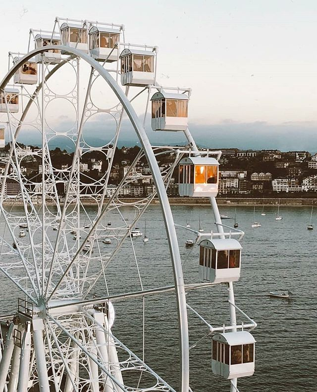 Thanks God It's Friday! . Pic by @donostifoodies . #rollercoaster #play #coast #sea #playfull #sansebastian #donostia #basquecountry #northspain #trip #travel #accommodation #guesthouse #morethanaguesthouse #ibaiaetarramak