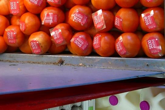 Fruit Stickering