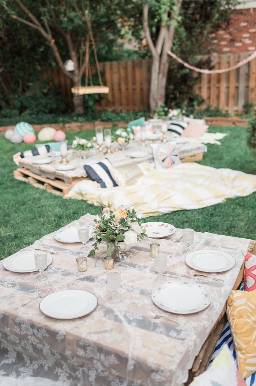 a pretty backyard picnic that u0027s so doable promise u2014 teresa
