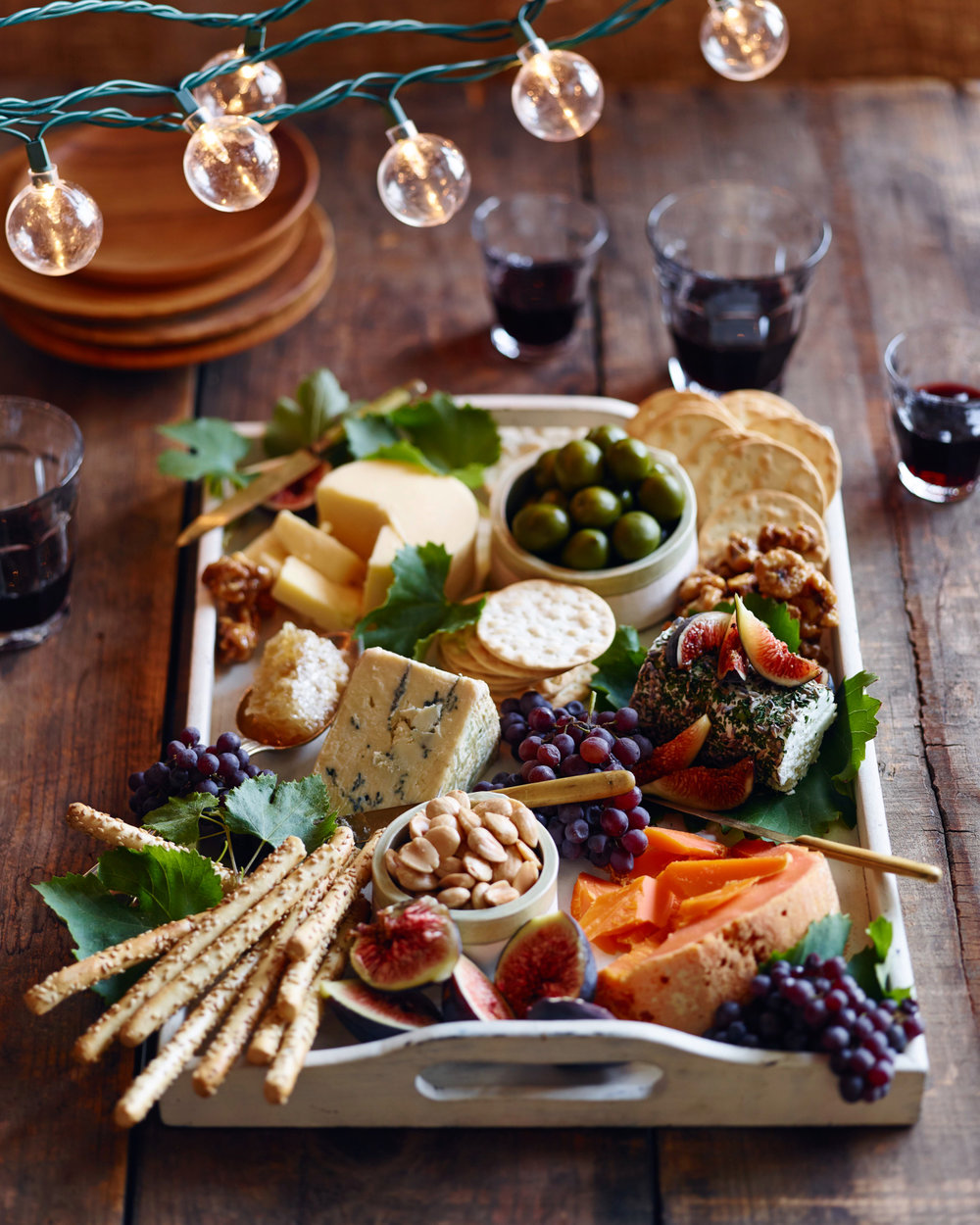 http://thepioneerwoman.com/food-and-friends/how-to-assemble-the-perfect-fall-cheese-board/