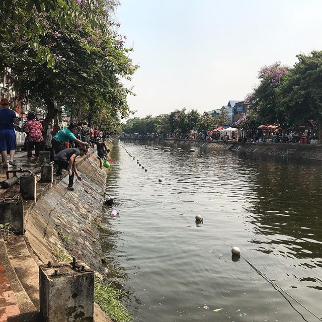 The wonderful Chiang Mai, Thailand at the most festive time of the year! The Songkran festival is a New Years celebration in April where everyone throws water on each other... SO MUCH FUN! 💦 🔫 . . . #pic#picoftheday#pictures#travel#travelblogger#travelgram#traveller#traveltheworld#travelphoto#photo#photography#instagood#instaphoto#instadaily#photooftheday#daily#traveling#thailand#chiangmai#igtravel#songkran#tourism#holiday#daily#songkranfestival#fun#dailyphoto#inspiration#shotoniphone#traveladdict