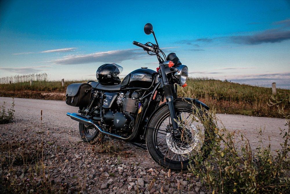 Charles-Édouard's Ride | ONELAND | TheMotoSocialMONTREAL | Triumph Bonneville