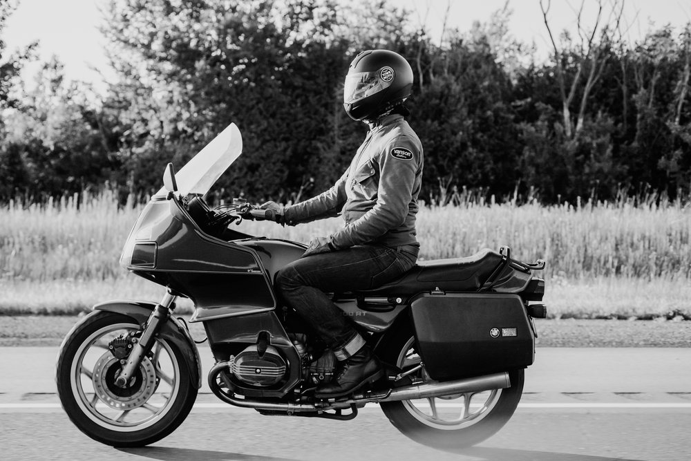 Viktor's Ride | TheMotoSocialTORONTO | 1992 BMW R100RT