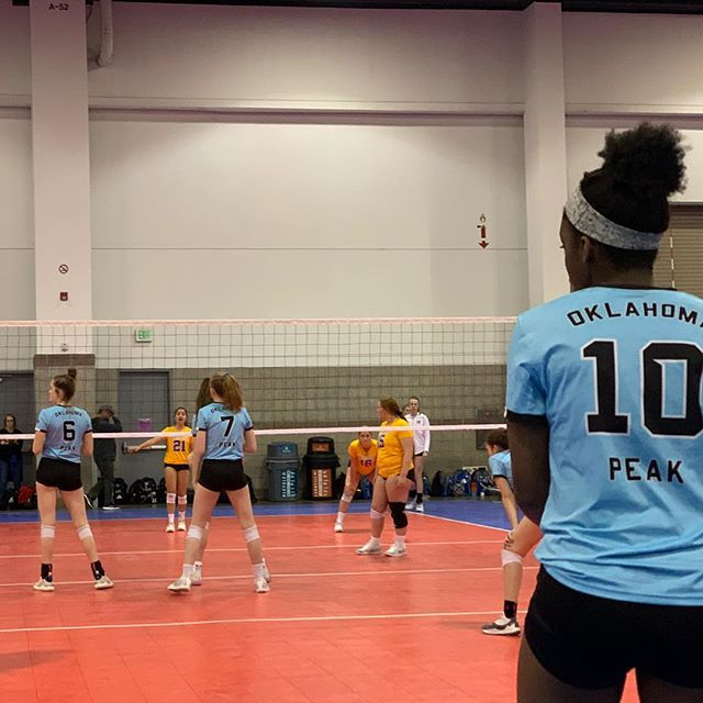Day 2 #xr2019 Do Peak Work @op2vbc  #volleyball #clubvolleyball #apparel #uniforms #athleticwear #sublimation #endlesspursuit