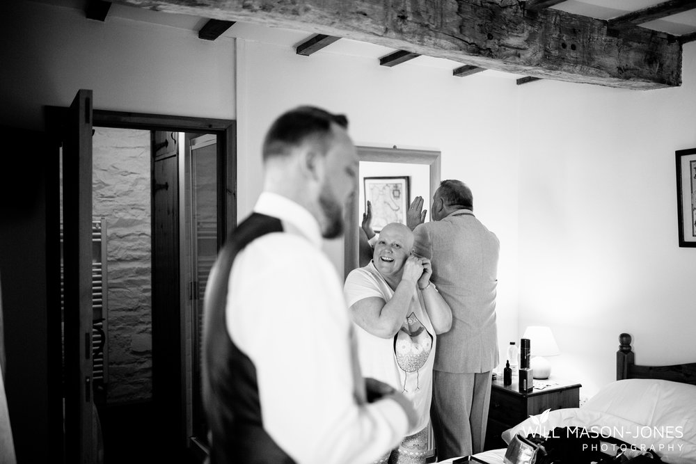 barn-y-brynych-brecon-swansea-wedding-photographer-cardiff-2.jpg