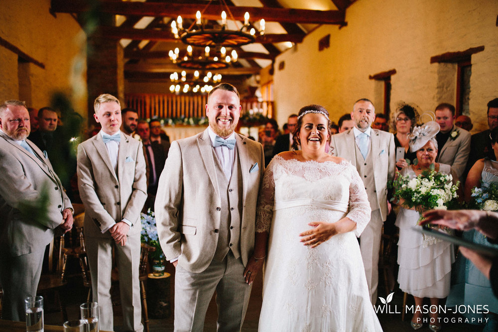 barn-y-brynych-brecon-swansea-wedding-photographer-cardiff-8.jpg