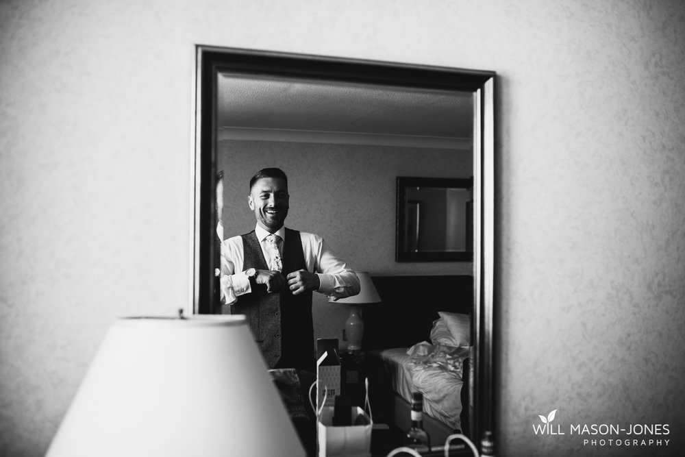 marriott hotel cardiff wedding photographer groom preparations