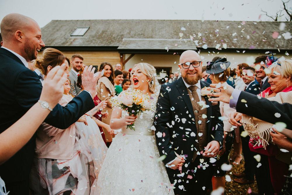 oldwalls-swansea-wedding-photographer-confetti