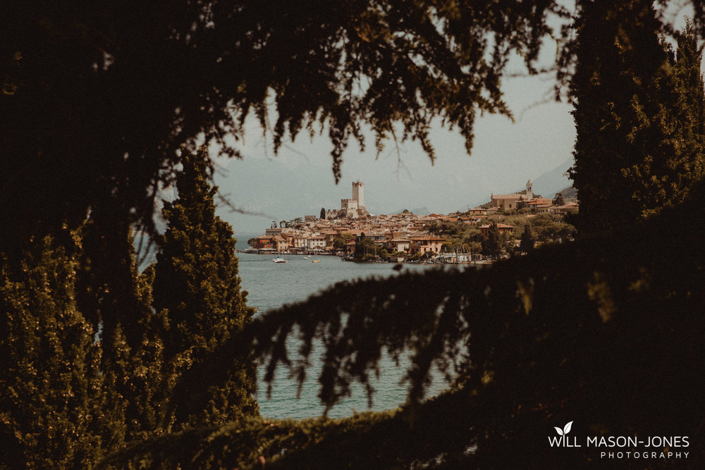 Lake garda weddings photographer at malcesine castle