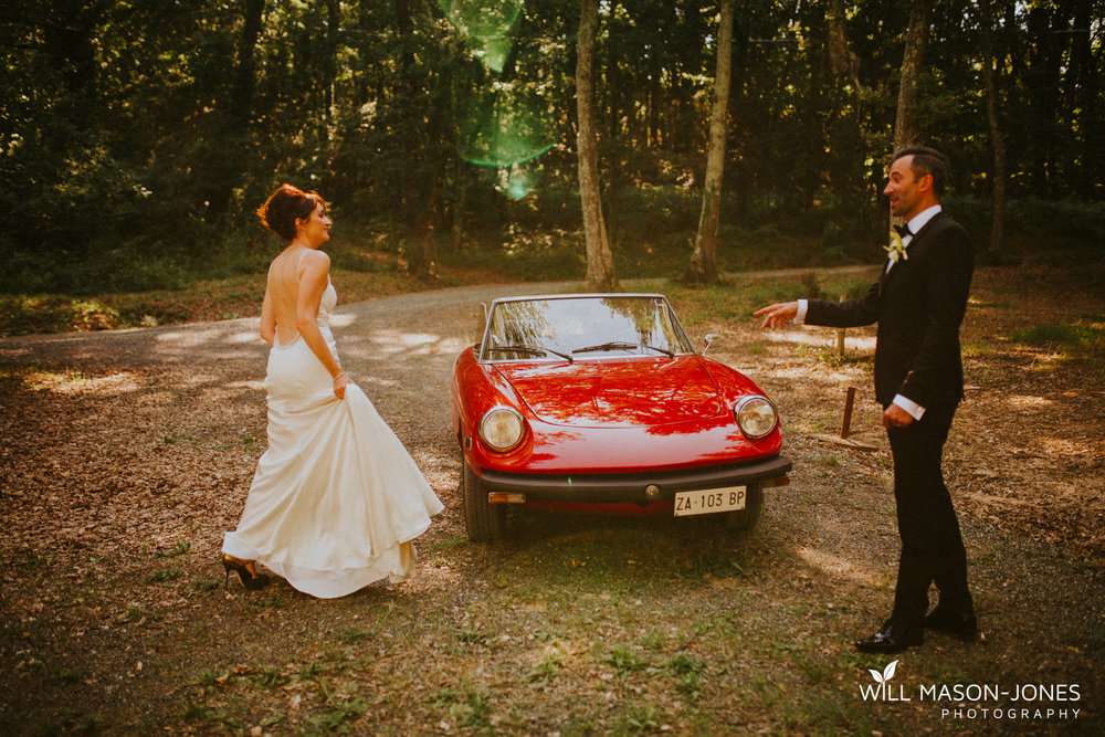Borgo Il Castagno tuscany Italy villa destination wedding couple portraits vintage car