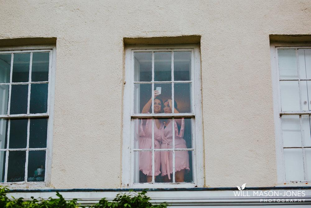 plas-glansevin-wet-rainy-bridal-wedding-preparations-swansea-photographers-4.jpg