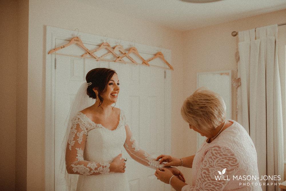oxwich-bay-hotel-swansea-wedding-bridal-preparations-photographer-6.jpg
