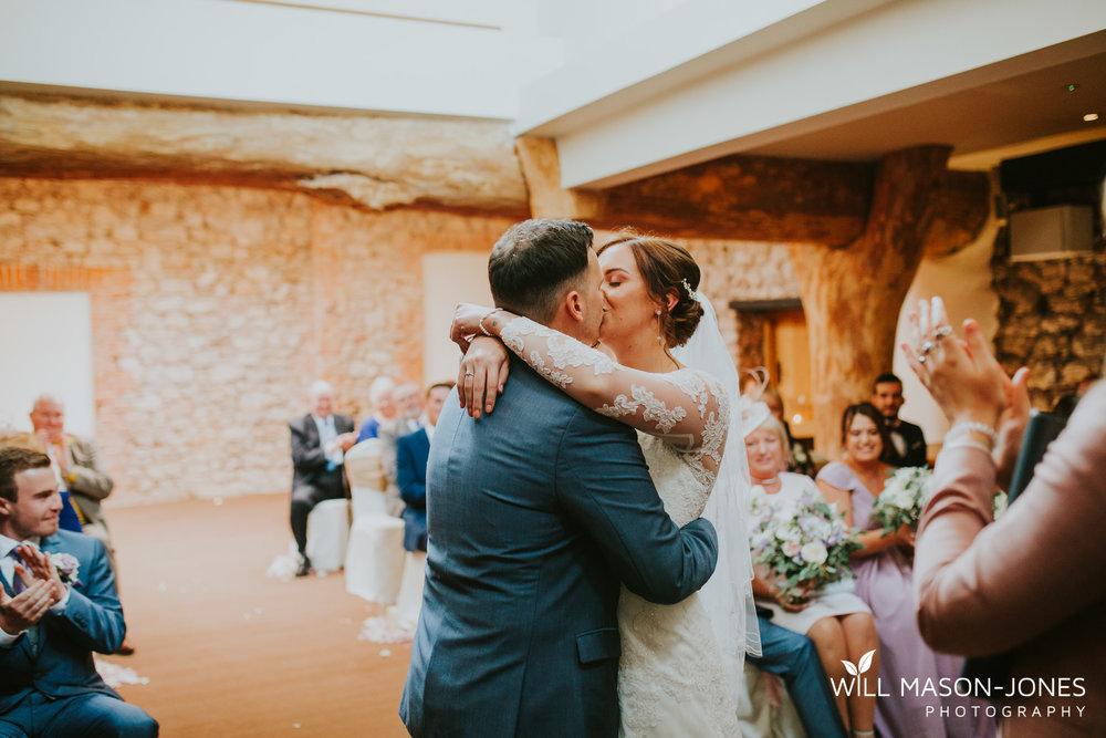oxwich-bay-hotel-swansea-wedding-ceremony-photographers-5.jpg