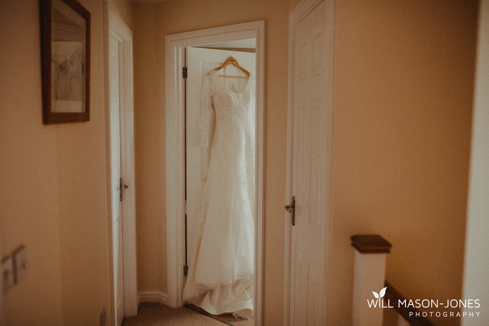 oxwich-bay-hotel-swansea-wedding-bridal-preparations-photographer-1.jpg