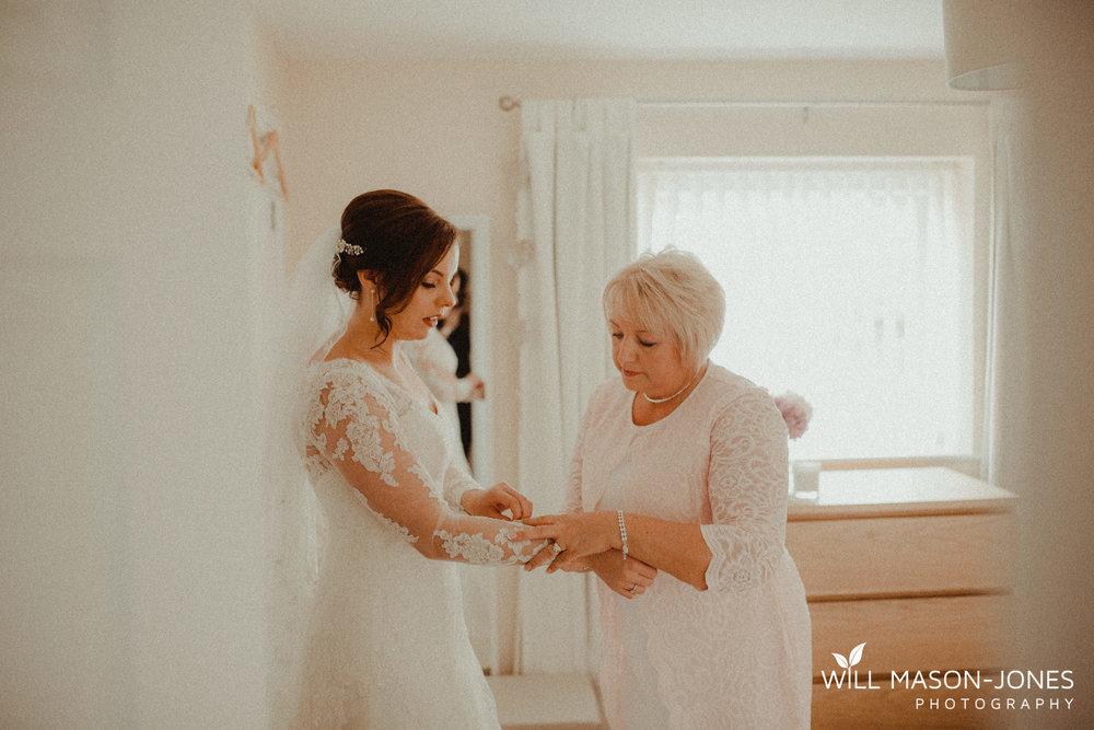 oxwich-bay-hotel-swansea-wedding-bridal-preparations-photographer-7.jpg