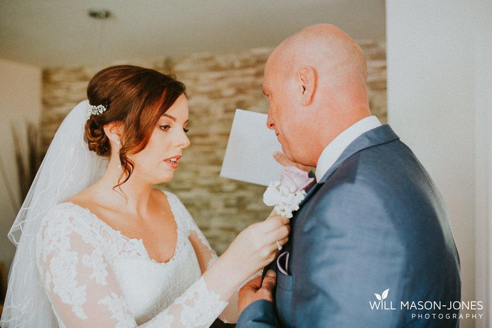oxwich-bay-hotel-swansea-wedding-bridal-preparations-photographer-10.jpg